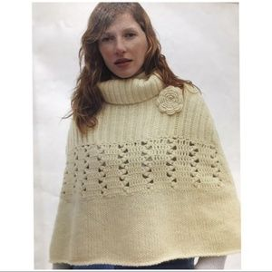 Snowdrift Capelet by Sleeping on Snow